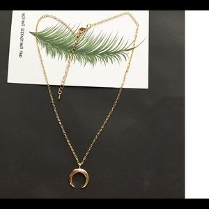 Gold Plated Women's Fashion Crescent Moon Necklace